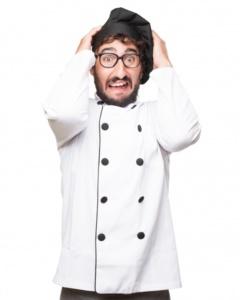 Cocinero sufriendo un ataque de pánico